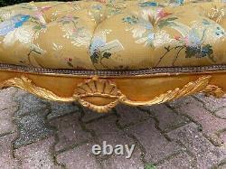 Beautiful b bench in French Louis XVI style. Free worldwide shipping