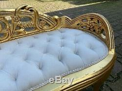 French Louis XVI Style Settee/Bench/Sofa With Tufted Velvet. Worldwide shipping