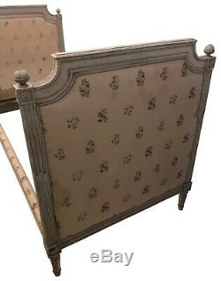 Pair of Hand-Carved French Louis XVI Beds by J. B. Boulard Original Paint, 1700s
