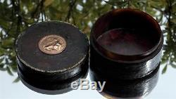 RARE FRENCH 18TH CENTURY LOUIS XV 22ct GOLD MOUNTED VERNIS MARTIN SNUFF BOX